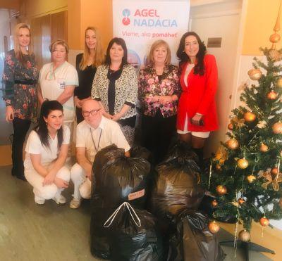 Nemocnica v Kežmarku už vyzbierala viac ako 100 kilogramov šatstva pre pomoc ľuďom v núdzi