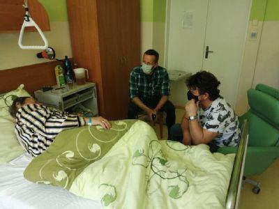 Nemocnica v Kežmarku povolila návštevy pacientov, tie prvé boli veľmi emotívne